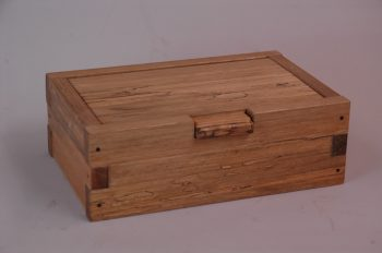 Pin hinged box GR
